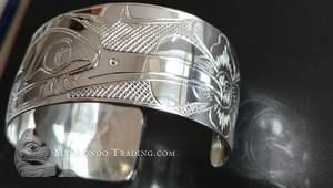 Gorgeous sterling silver hummingbird bracelet by Alfred Seaweed